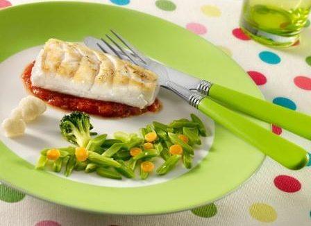 Merluza a la Plancha con Tomate
