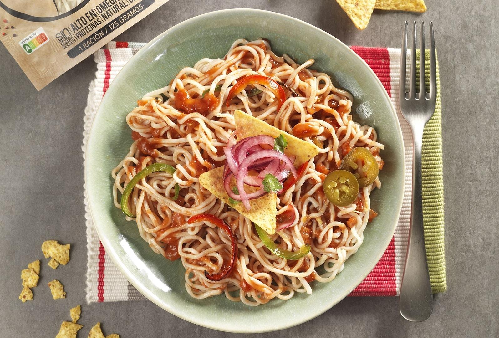 Espaguetis de Merluza con salsa mejicana picante