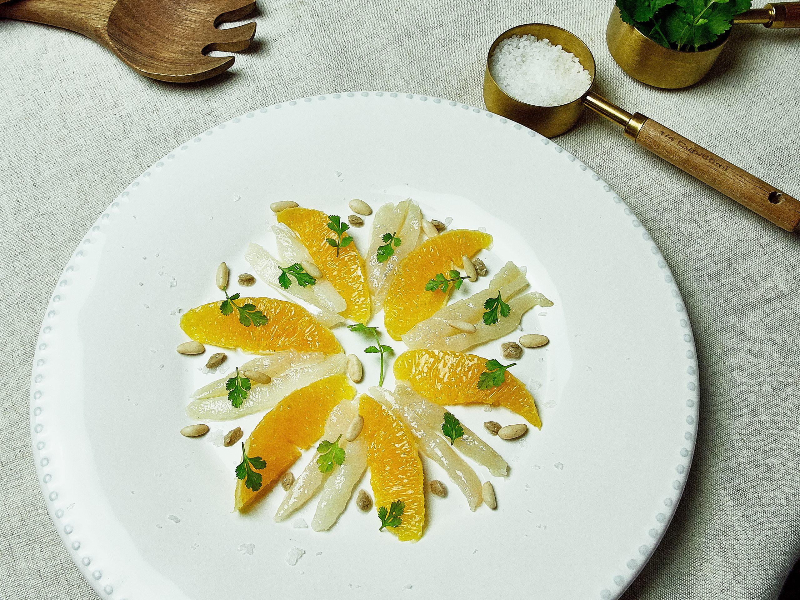 Ensalada de bacalao, naranja y emulsión de champiñón Portobello